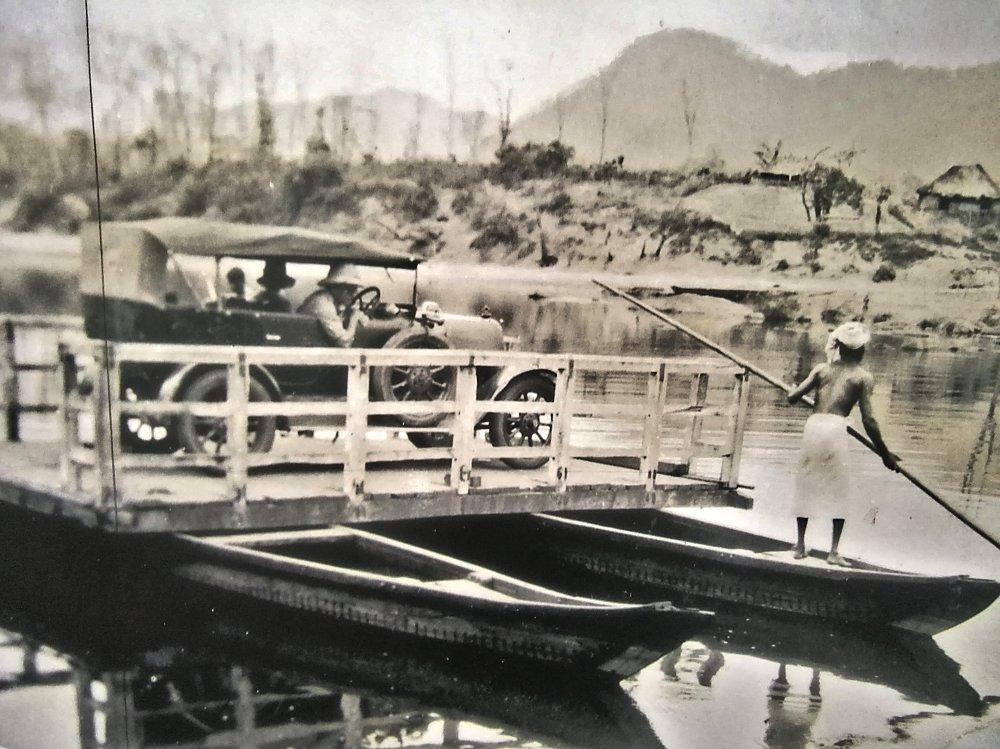 Salim Ali crossing the Periyar river in 1933.